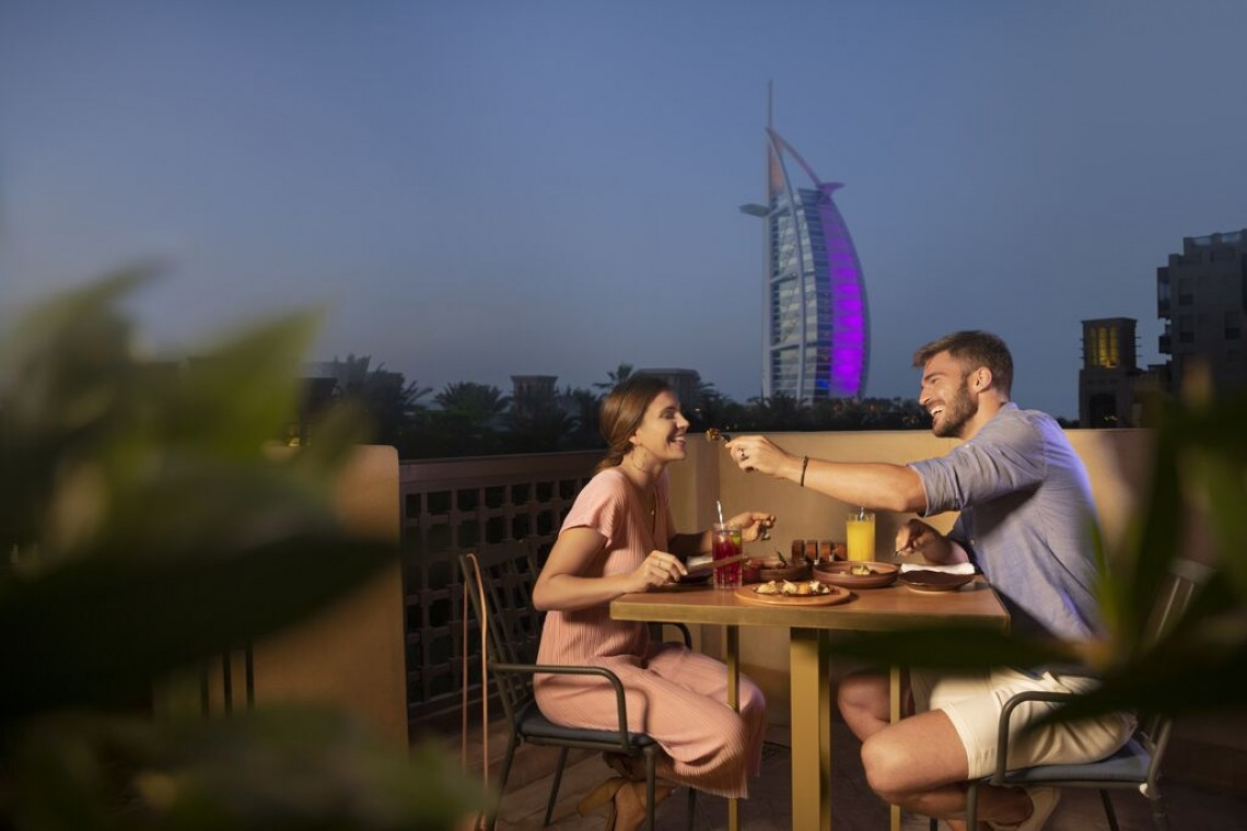 Large-Burj Al Arab Dining